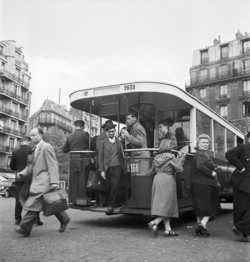 Bus_in_Paris_1950